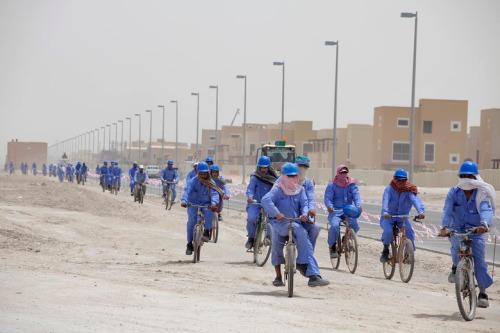 Workers_Khalifa_A-Abu_Dhabi