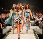 913d_jennifer-hawkins-australian-beauty-queen-miss-universe-fashion-show